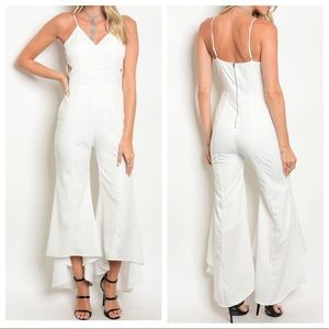 Pants - ✨LAST ONE✨White bell bottom gorgeous jumpsuit